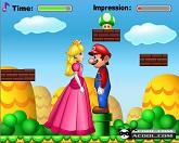 Марио целует
