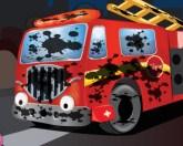Грязная пожарная машина