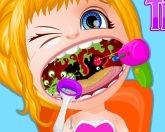 Дочь Барби у зубного врача
