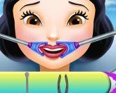 Белоснежка у зубного врача